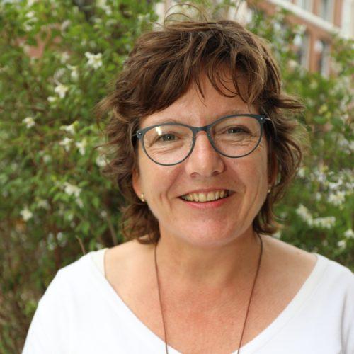 Carla Dekker