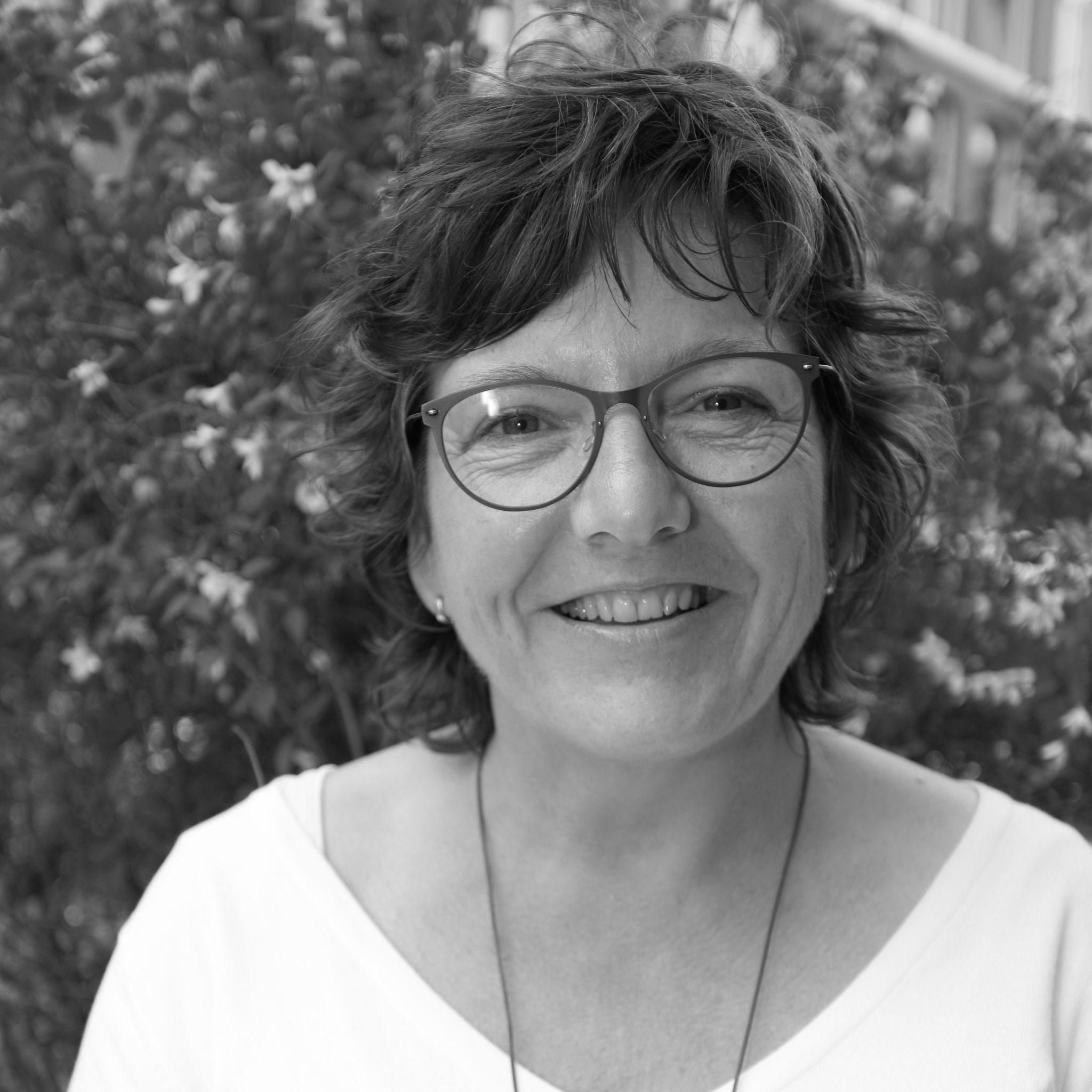 Carla Dekker<br /> Mevrouw de Aankoopmakelaar<br /> Zwolle