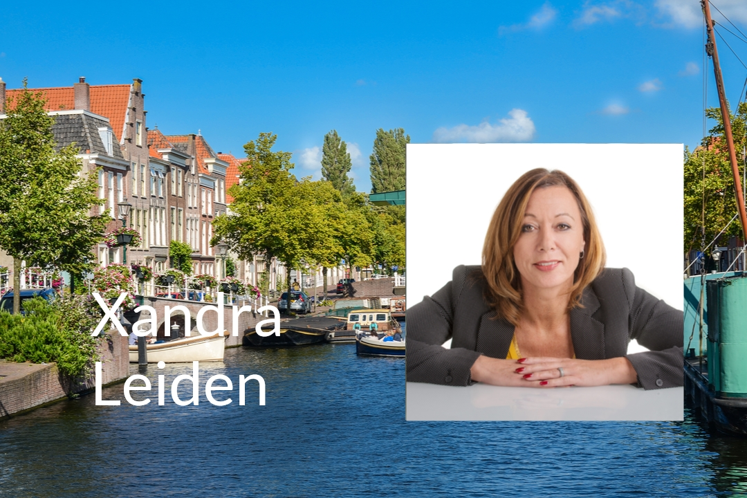 review Xandra Leiden