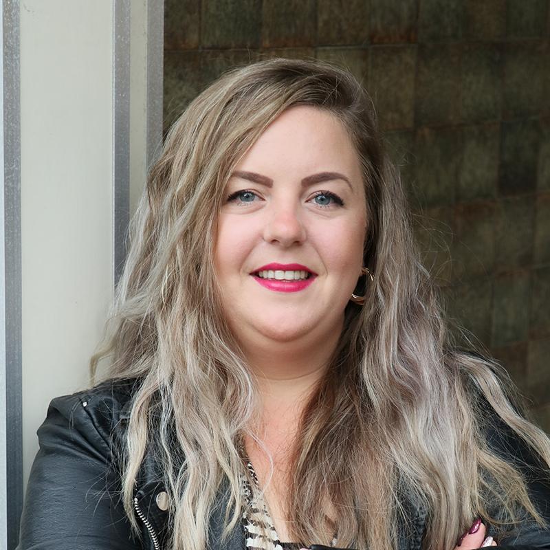 Suzanne Smit<br /> Binnendienstmedwerker