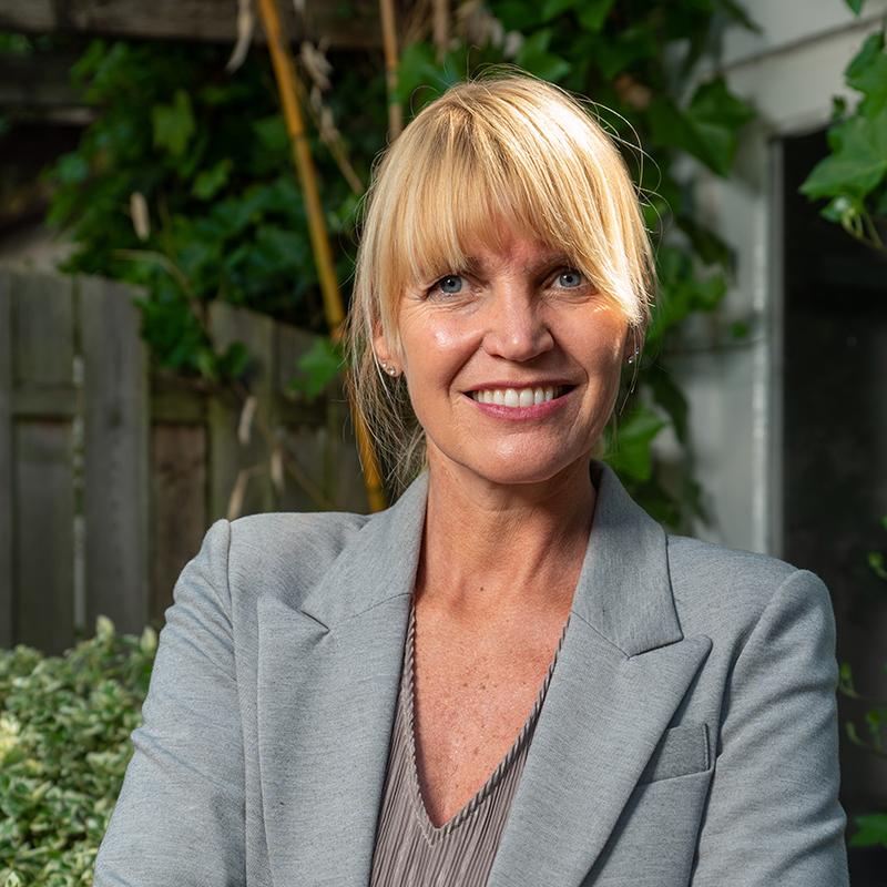 Linda de Jong<br /> Binnendienstmedwerker